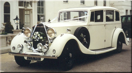 Vale Wedding Cars Logo